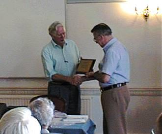 Laurie G3AQC gets a Bobek award